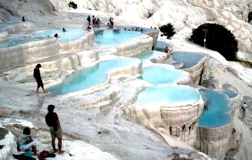 Hồ bơi bậc thang độc nhất vô nhị tại Thổ Nhĩ Kỳ