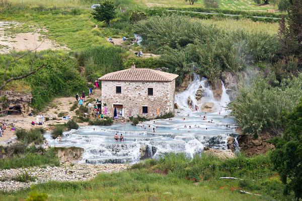Suối nước nóng Terme di Saturnia, thành phố Saturnia, Italy