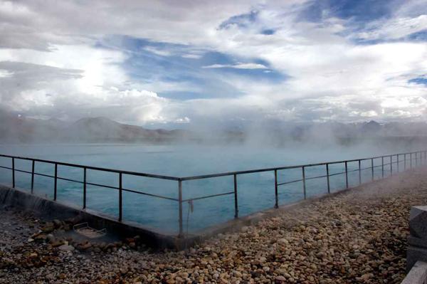 Suối nước nóng Yangpachen, thị trấn Yangbajing, Tibet